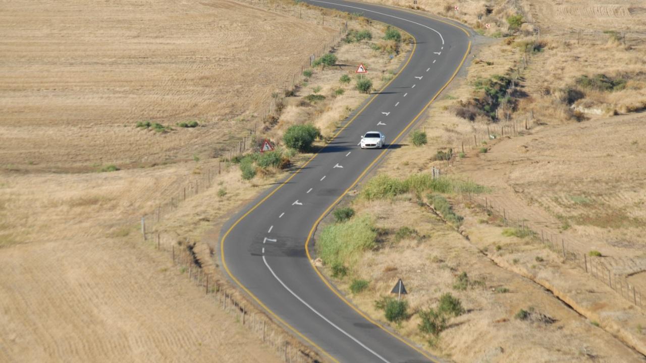 4 Roads 1280 x 720